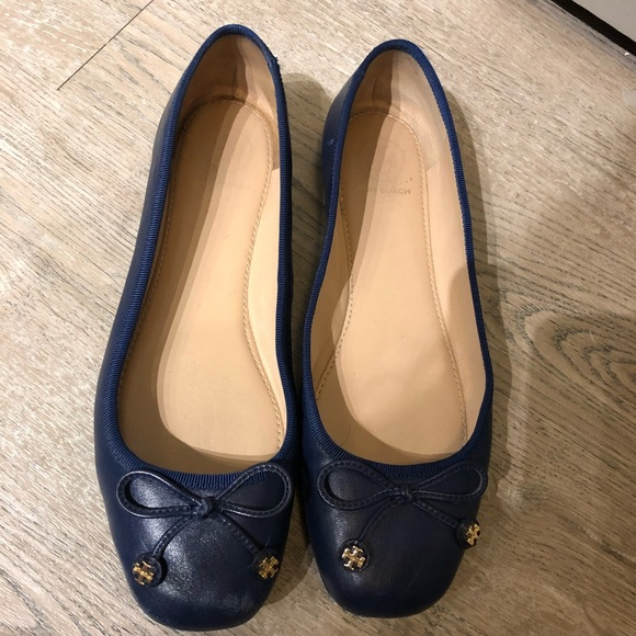 a6da1318912cd9 SALE Tory Burch Navy Leather Flats. M 5b4374c4df030718819b02e6